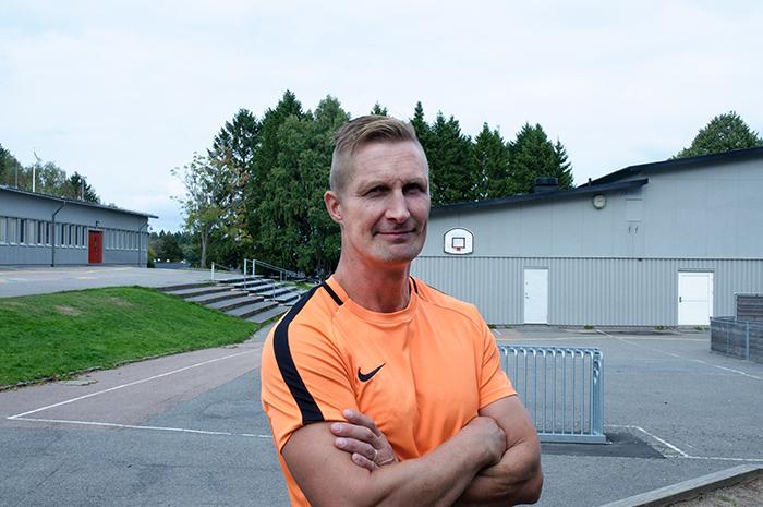 Foto på Jonas Almén, idrottslärare Solbackeskolan i Bergsjön